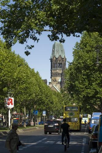 Kurfürstendamm und Kaiser-Wilhelm-Gedächtniskirche (© visitBerlin, Foto: Wolfgang Scholvien)