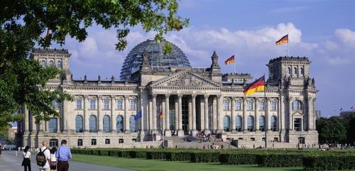 Der Reichstag (© visitBerlin, Foto: Wolfgang Scholvien)