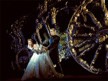 """""""Elisabeth"""" - Das Musical (© VBW / Jean Marie Bottequin)"""