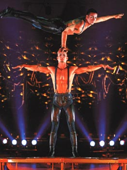 Cirque du Soleil - Saltimbanco (© Cirque du Soleil)