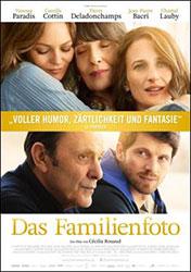 """Das Familienfoto"" Filmplakat (© Alamode Film)"