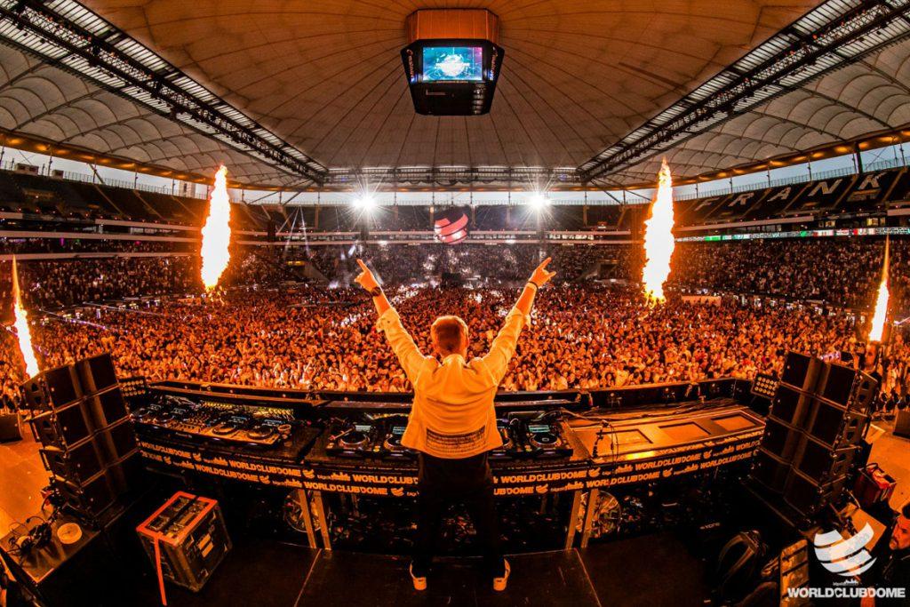 Armin van Buuren beim BigCityBeats WORLD CLUB DOME 2019 in Frankfurt (© BigCityBeats)