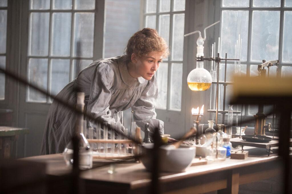 """""""Marie Curie – Elemente des Lebens"""" Szenenbild (© Studiocanal GmbH / Laurie Sparham)"""
