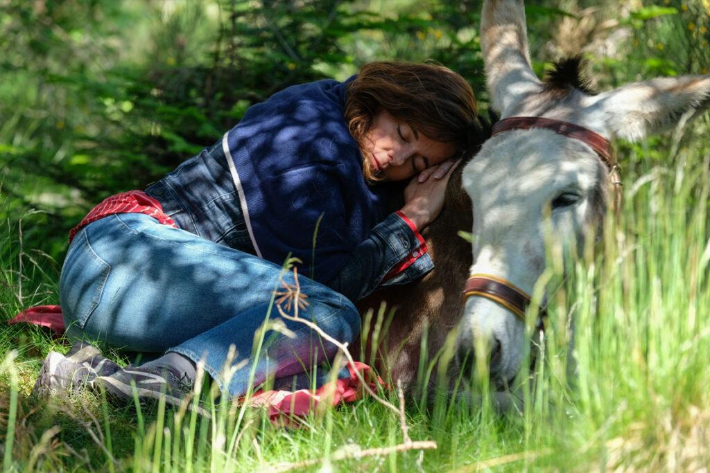 """""""Mein Liebhaber, der Esel & Ich"""" Szenenbild (© CHAPKA FILMS – LA FILMERIE – FRANCE 3 CINEMA)"""