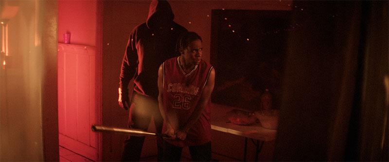 """""""Thriller - Blutbad an der Compton High"""" Szenenbild (© Busch Media Group)"""